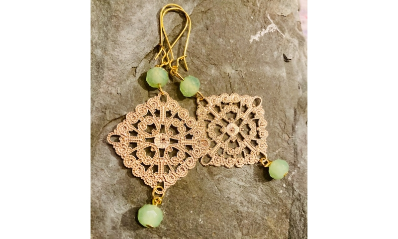 Faux gold filigree dangle earrings