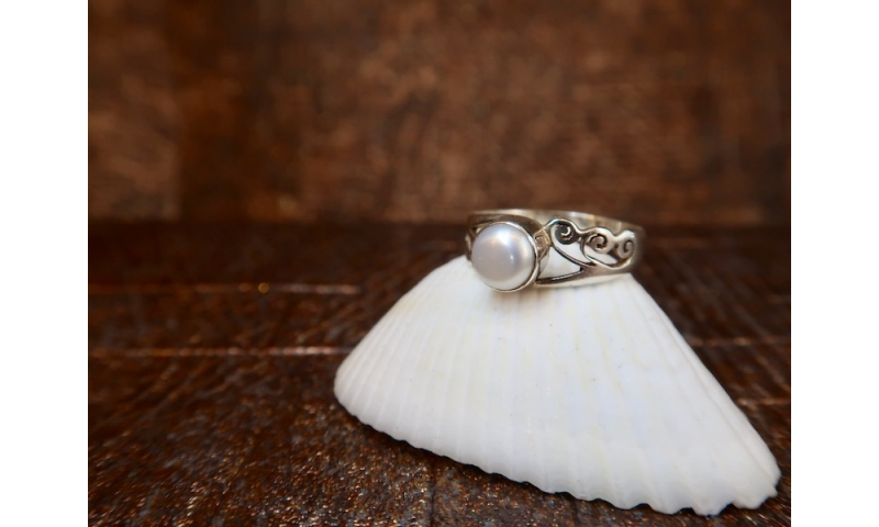 Pearl and Sterling Silver Ring